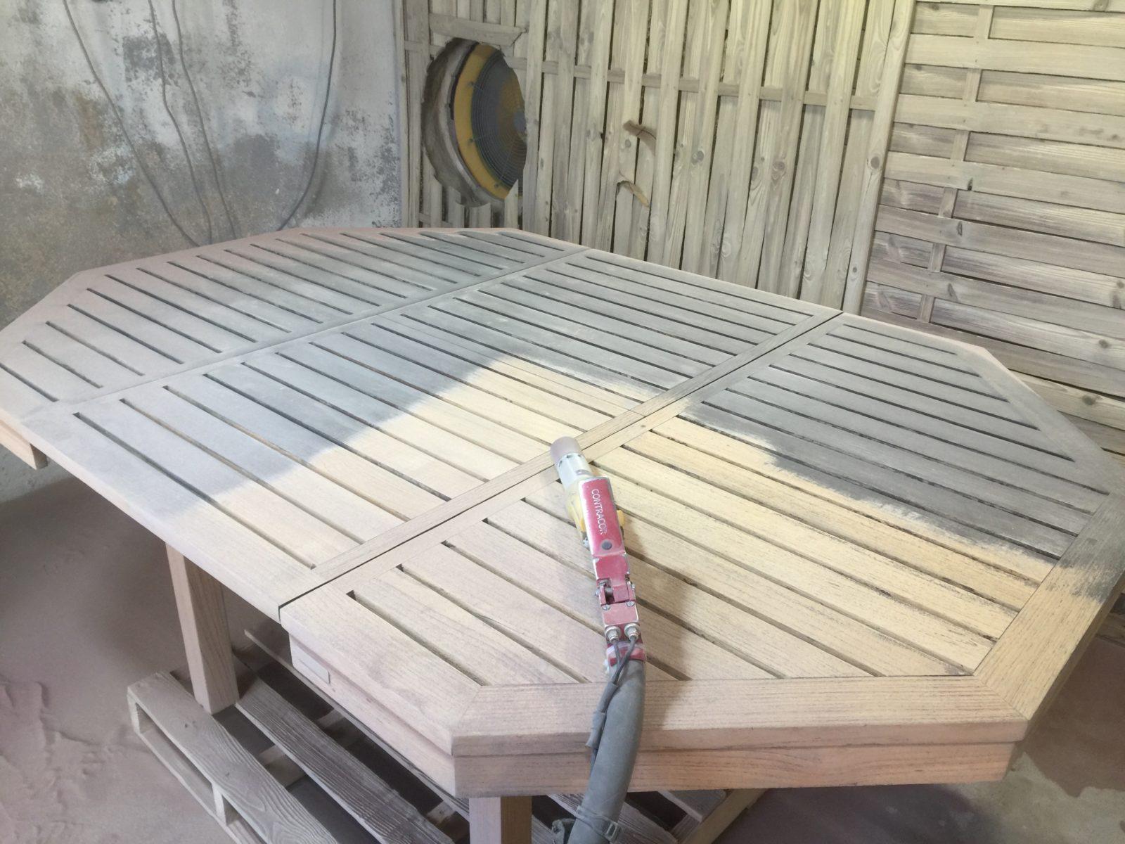 Peinture Pour Meuble En Bois Sans Decapage service de décapage à sec meubles bois avant peinture dpt 06